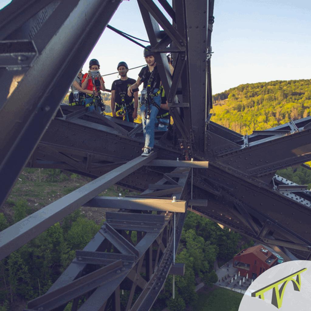 Brückensteig Schwebebalken